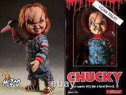 Action figure parlante Chucky Bambola Assassina Child's Play talking 40 cm Mezco