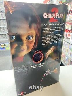 Child´s Play Good Guys Chucky 15 Mega-Scale Talking Doll Mezco Official