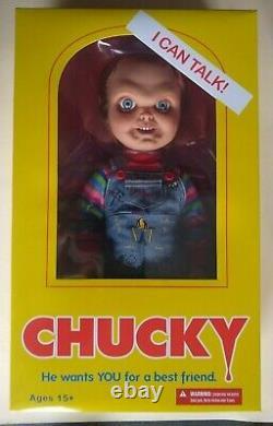 Mezco Child's Play Talking Sneering Chucky 15 Mega-Scale Doll Sealed