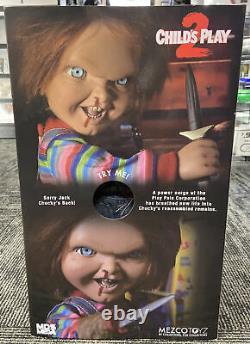Mezco Toyz Child's Play 2 Talking Chucky Mega Scale Murder Doll Figure NEW